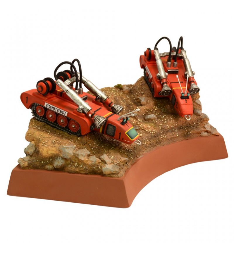 ** Damaged Box Stock ** - Recovery Vehicles 'Pit of Peril'